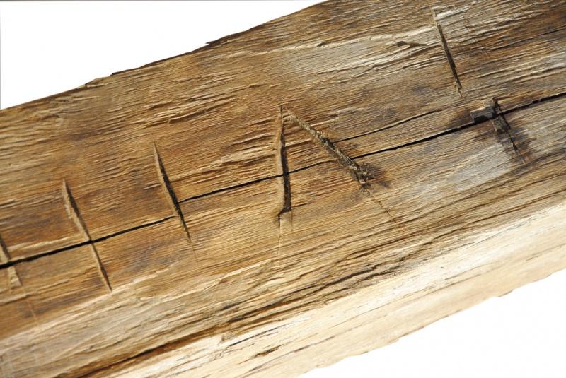 Plank handgehakt niet gekantrecht